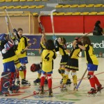 Celebrant la victòria amb les nenes del Palau